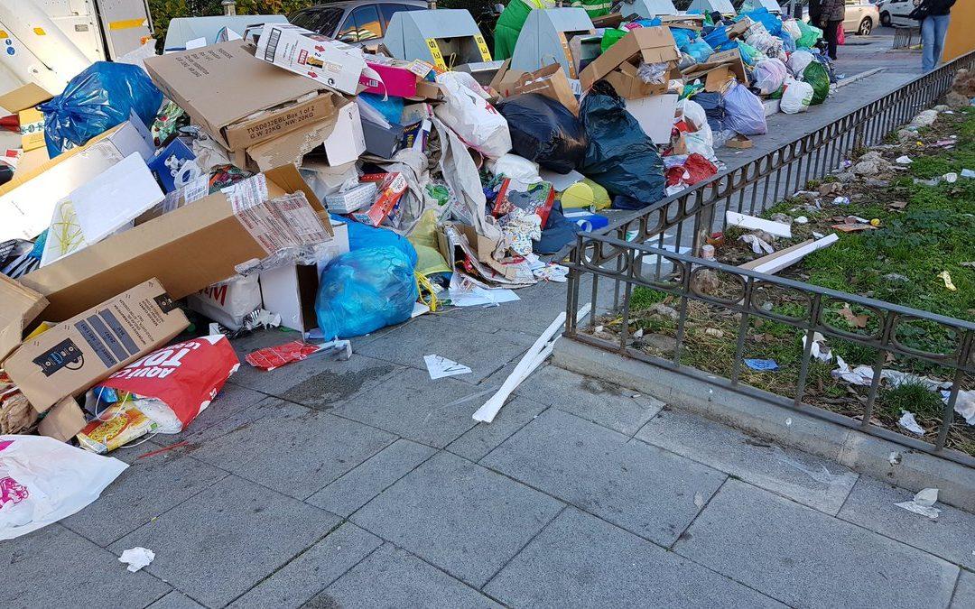 En Alcorcón estamos recogiendo la basura como hace 50 años, a golpe de espalda