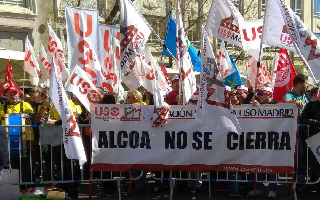 Concentración frente al Congreso para reclamar que Alcoa no se cierra