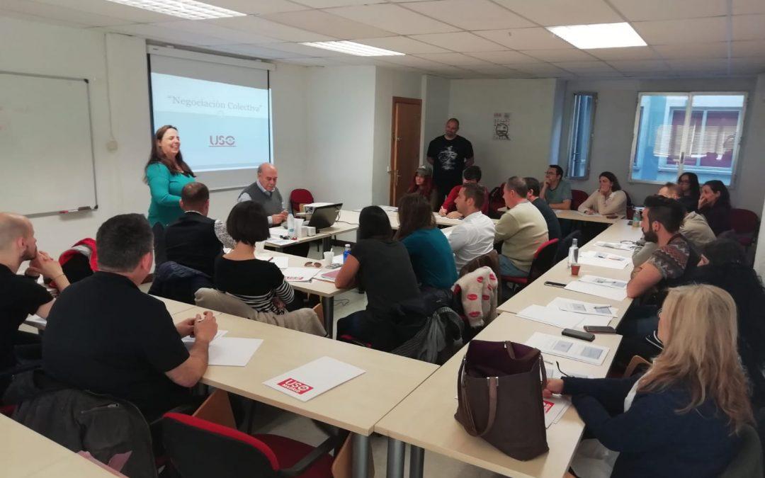 Raquel Bordoy, Rubén Vinatea y José Luis Fernández Santillana en el curso de Negociación Colectiva.