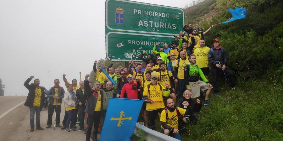 Marcha del Alumnio de los trabajadores de Alcoa a su paso por Pajares