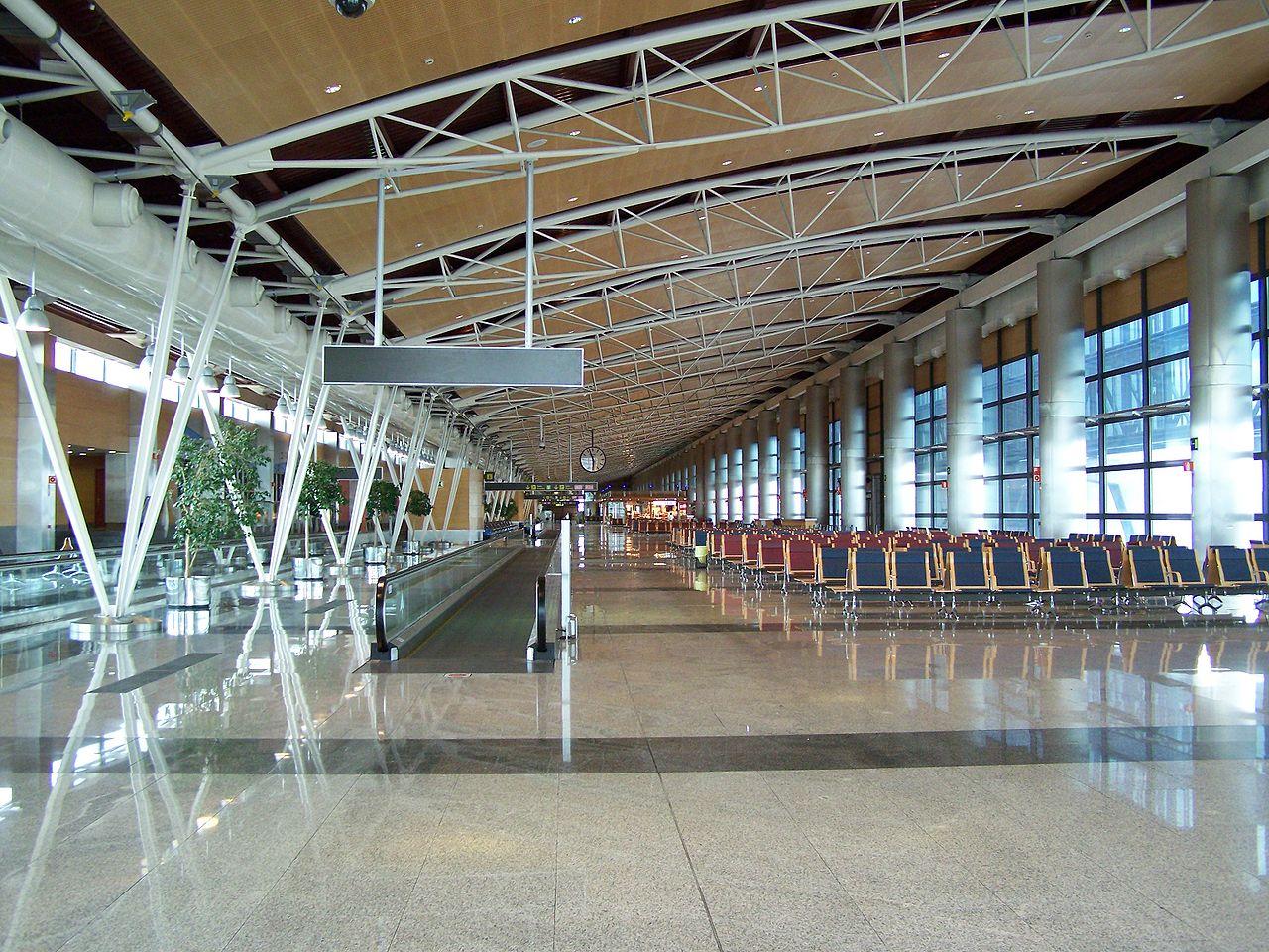 Interior de la T1 del aeropuerto Barajas.