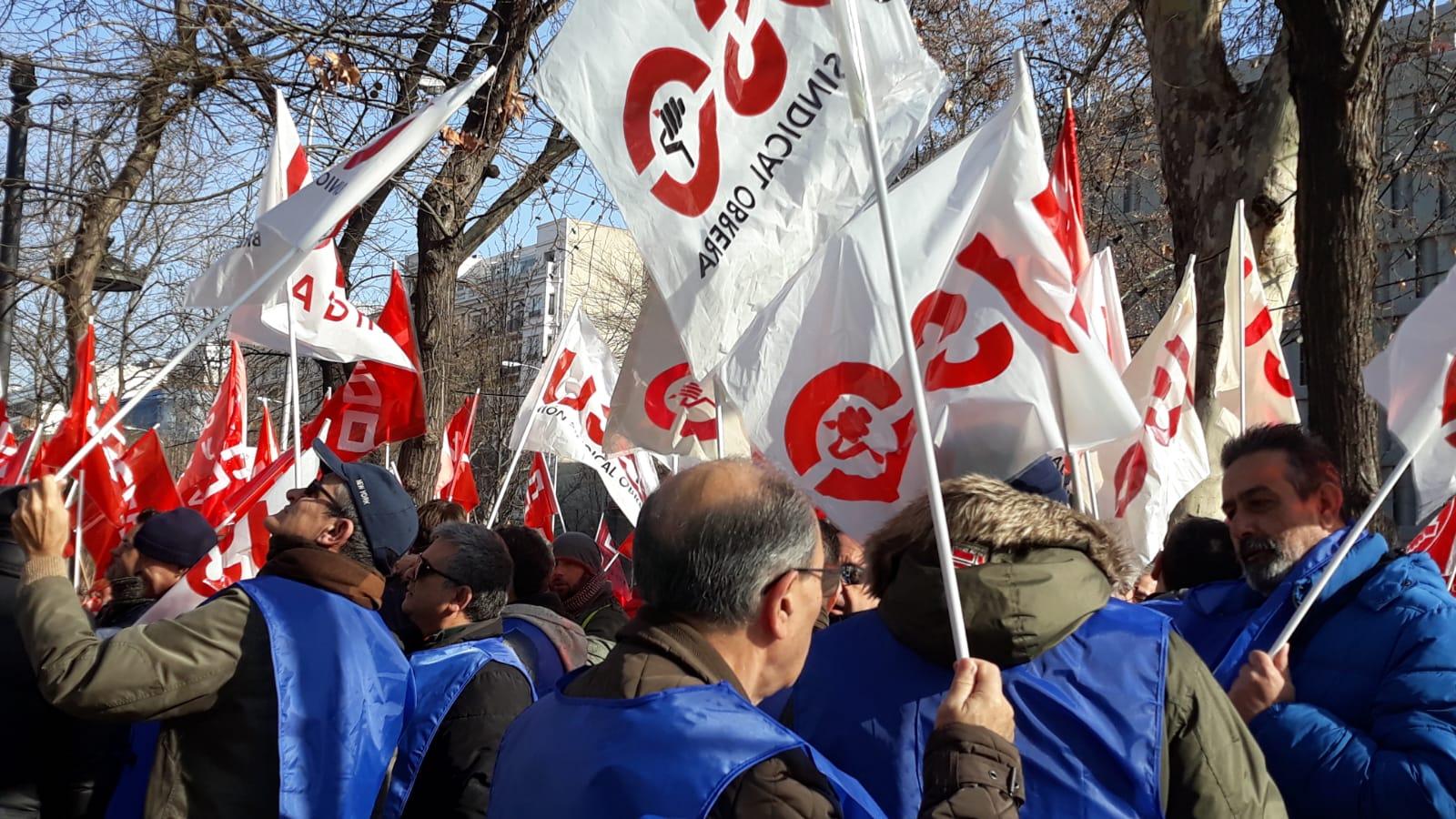 Manifestación de trabajadores de Ombuds en prisiones este martes.