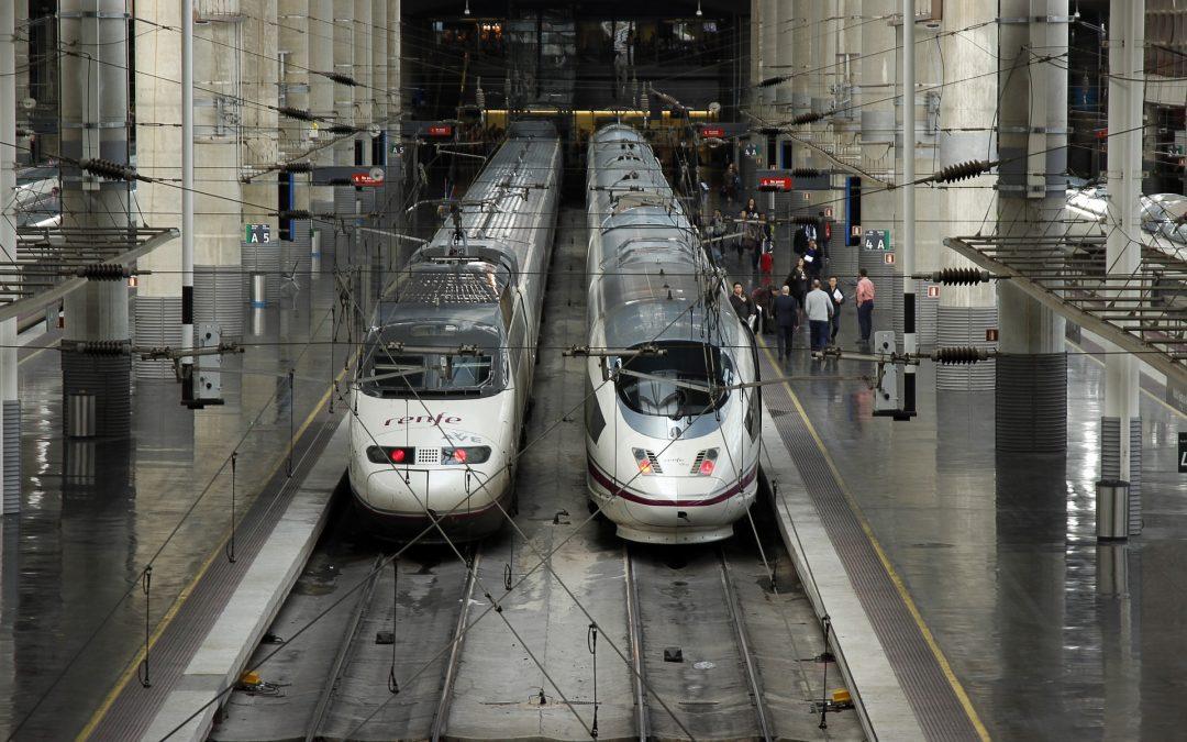 USO pide a Ábalos que reconsidere el despido de 2.000 trabajadores del servicio a bordo de Renfe