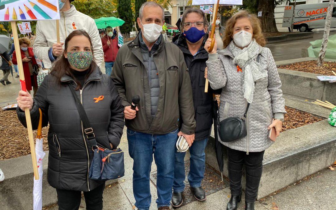 USO-Madrid acude a la concentración de Más Plurales para rechazar la Ley Celaá