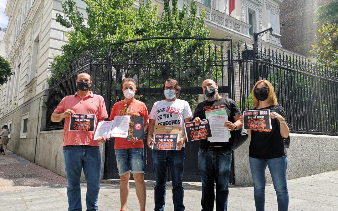 Los delegados de Orange piden al embajador francés que detenga el ERE y le recuerdan la ola de suicidios